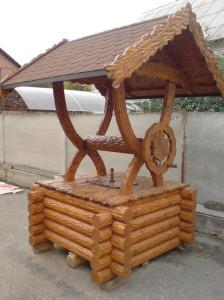 делаем деревенные домики для колодцев