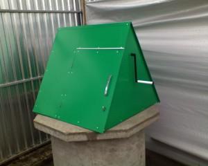 домик под колодец зеленый